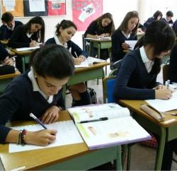 alumnos-estudiando